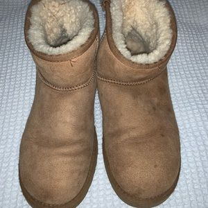 Size 9 Short Uggs